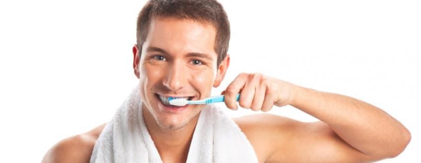 Hoe-van-tandpoetsen-je-billen-strakker-worden